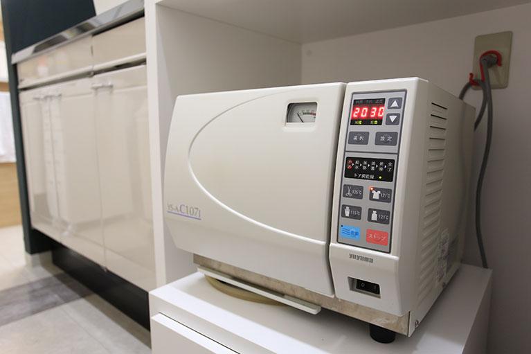 タービン・ハンドピース専用の注油・滅菌器